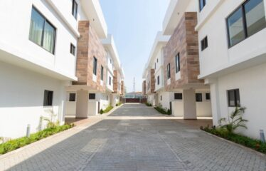 Unfurnished 4 Bedroom Detached Town Houses For Rent
