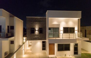 3 Bedroom Town Houses for Sale